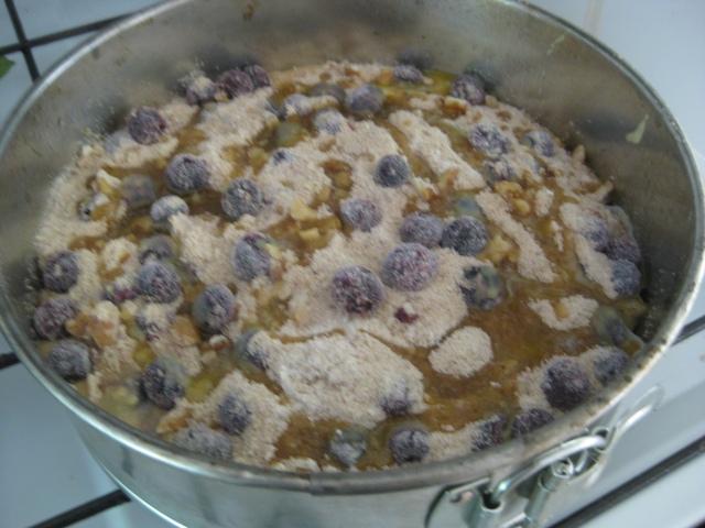 Unbaked Blueberry Crumble Cake