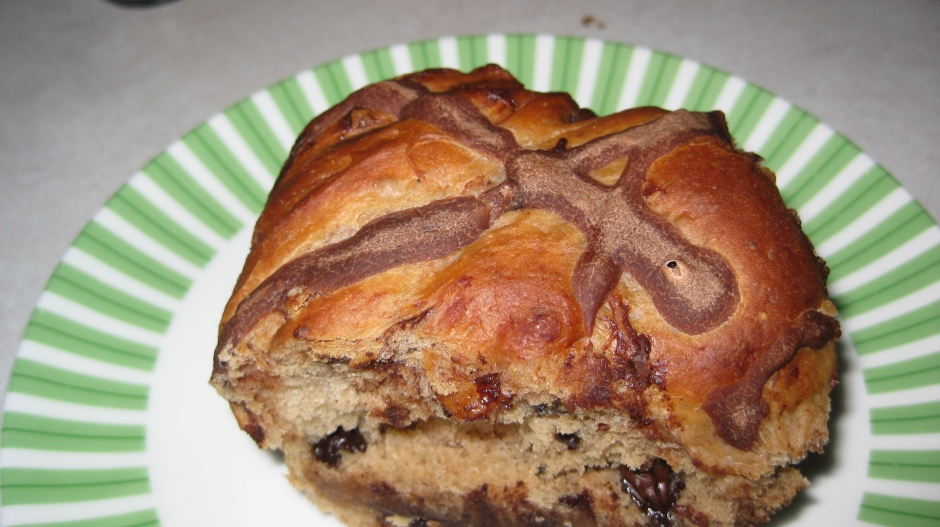 Single Chocolate Chip Hot Cross Bun