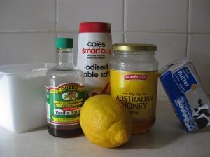 Lemon and Honey Buttercream Frosting