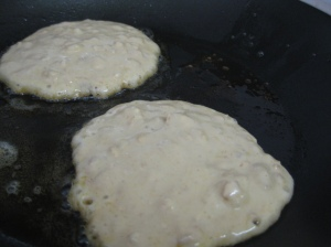 Cooking Banana and Oat Pancakes